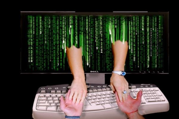 Интернет знакомства и реальность знакомства для секса в джанкое с телефоном