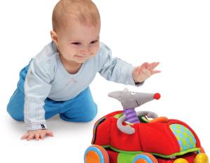 Как развивается ребенок в первые 12 месяцев