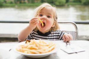 Что нельзя есть ребенку до трех лет